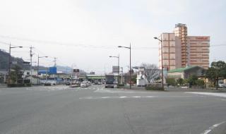 「臨港線入り口」交差点北側